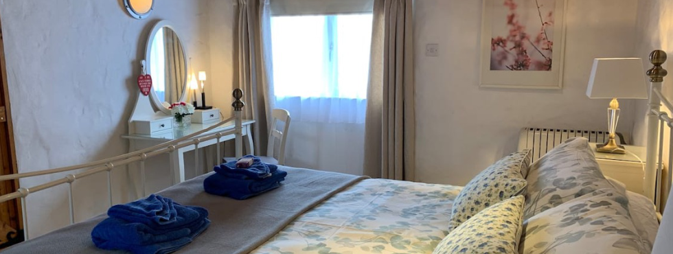 Pen-y-Holt Farm's Beautiful Large Shared Garden With Sea Views